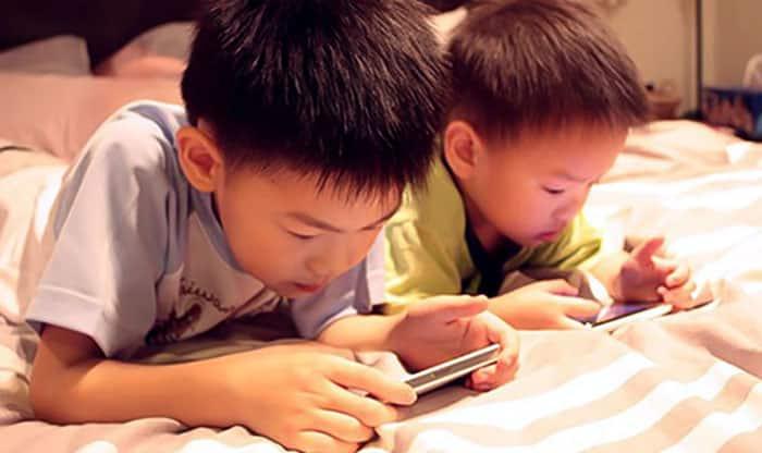 mẹo dân gian giúp trẻ cai điện thoại