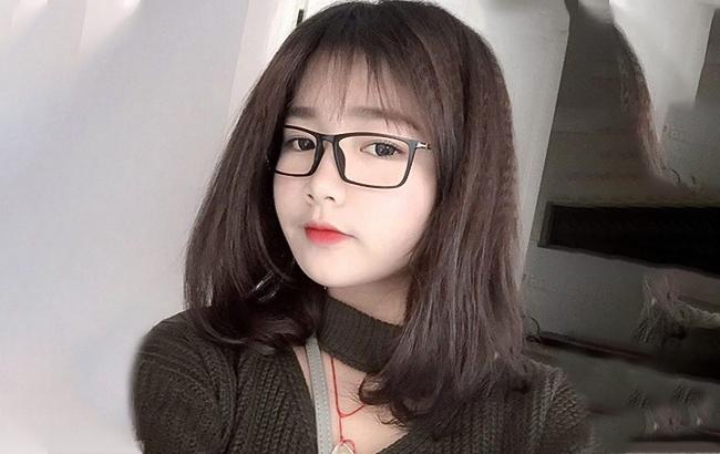tóc ngắn đeo kính