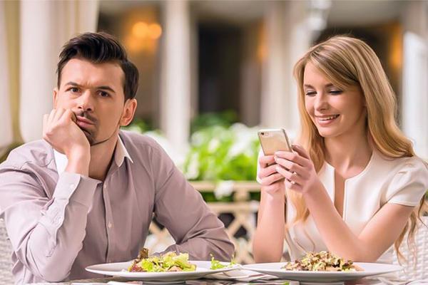 đi ăn cùng bạn trai