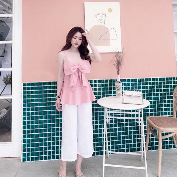 quần trắng ống rộng áo hồng